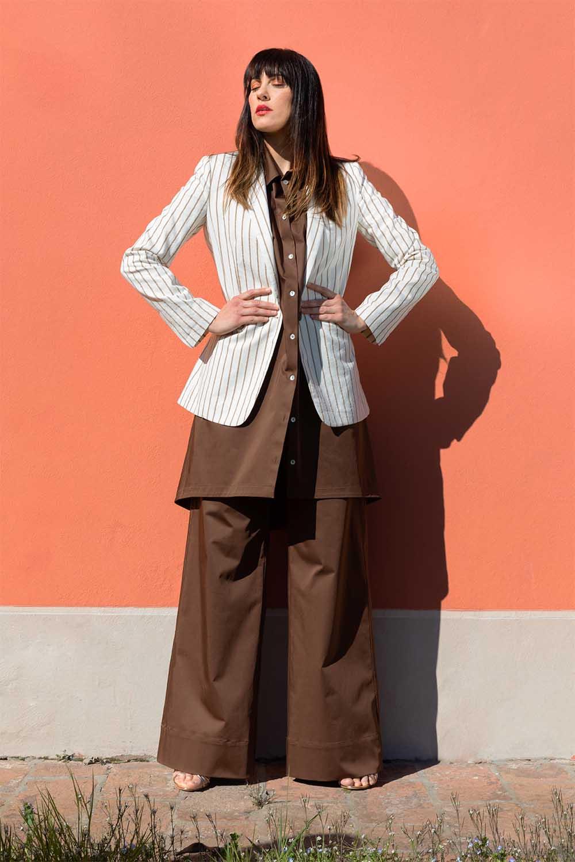 Completo-abito-e-pantalone-color-cioccolato-con-giacca-gessata-primavera-estate-2020-OPIMO