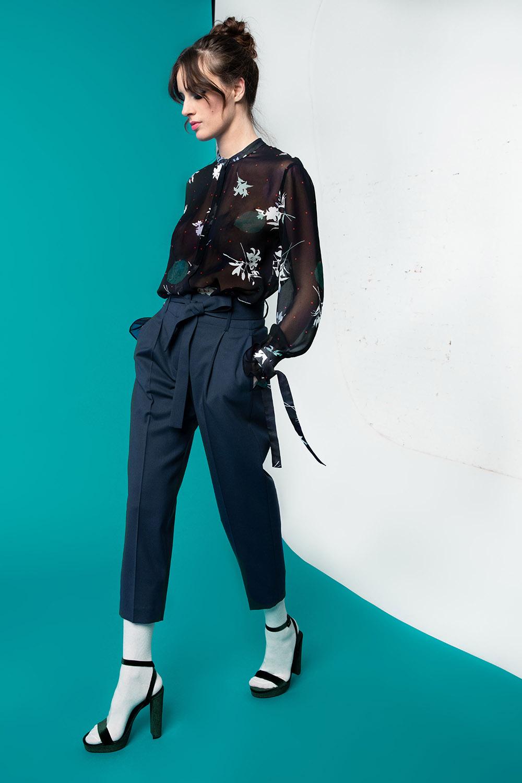 Camicia trasparente in stampa esclusiva e pantalone in lana OPI[MO] fw20-21